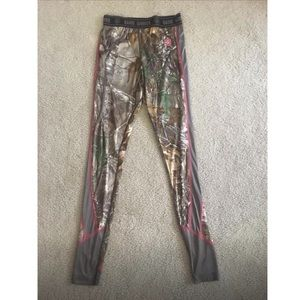 Game winner camo base layer  leggings